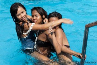 Treasure-Island-Pool-Party-Apr-3-2011-129