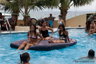 Treasure-Island-Pool-Party-Apr-3-2011-18