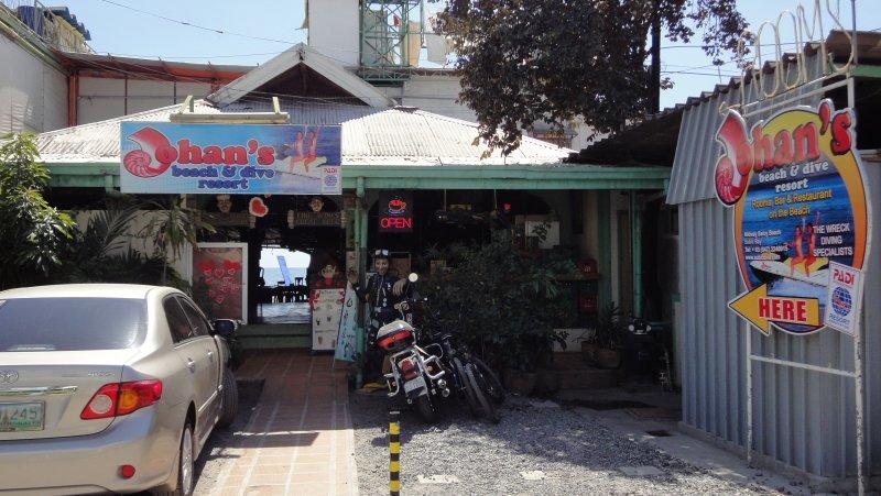 Johans Dive Resort Entrance