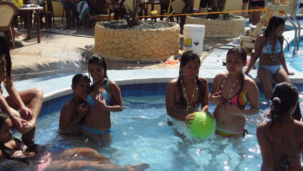 treasure-island-pool-party-056