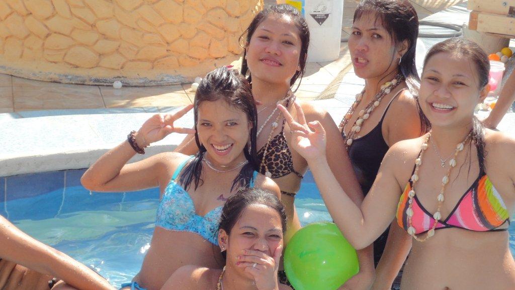 treasure-island-pool-party-057