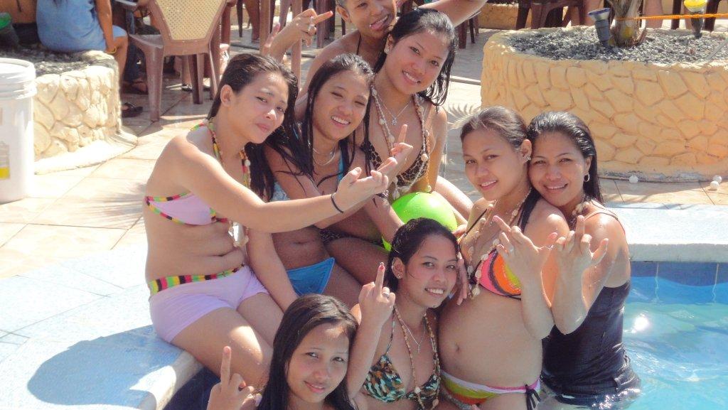 treasure-island-pool-party-059