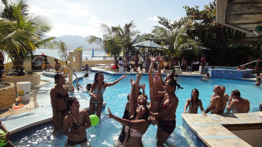 treasure-island-pool-party-060