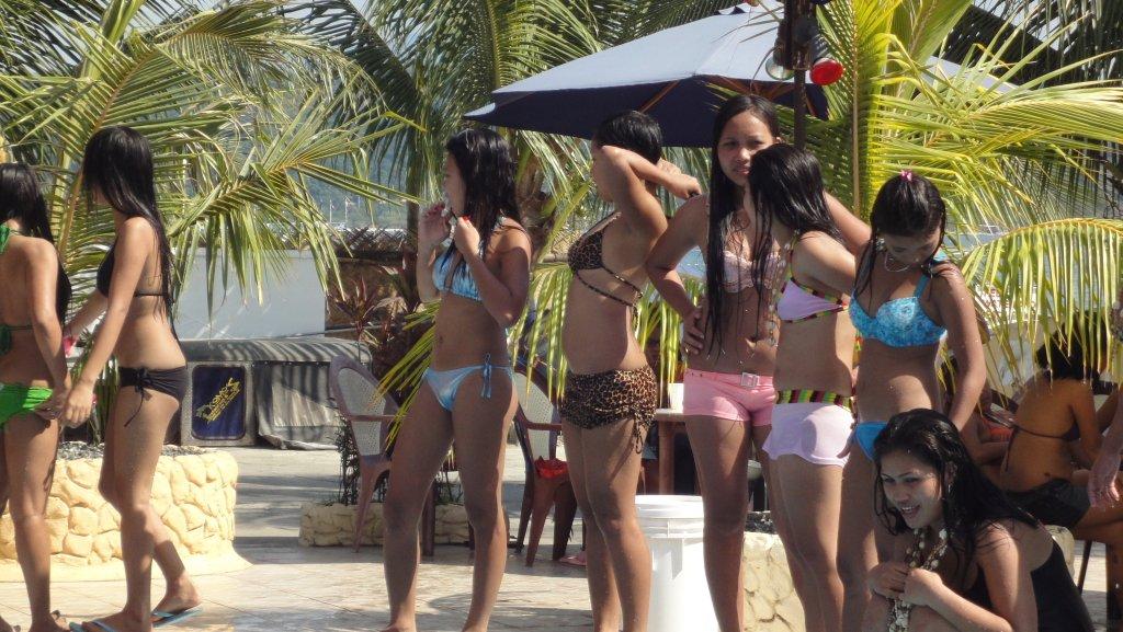 treasure-island-pool-party-068