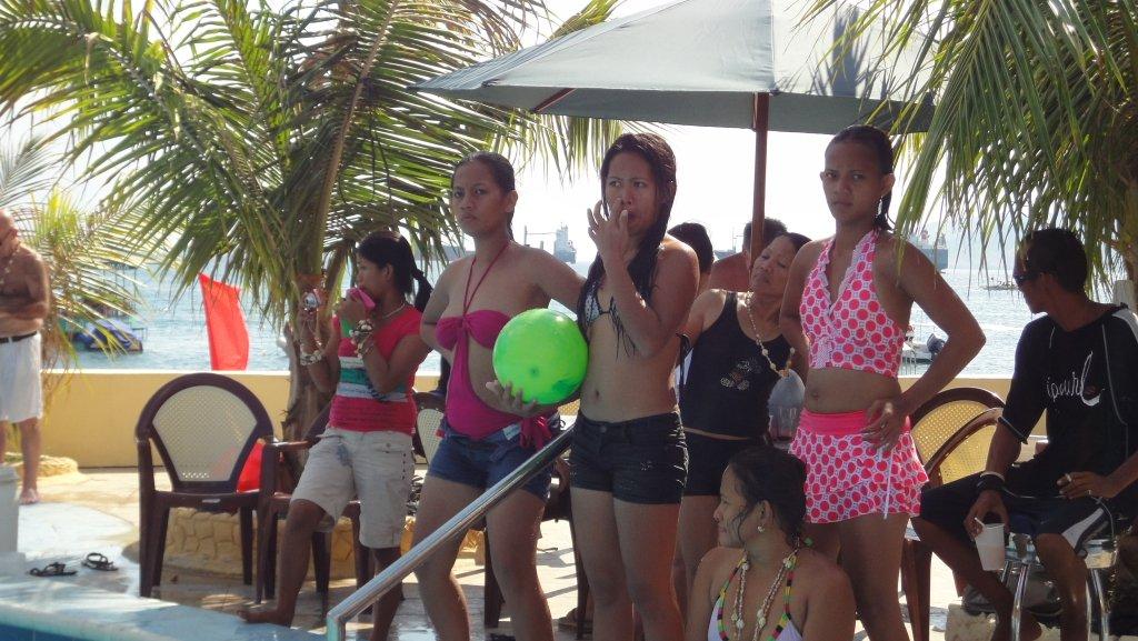 treasure-island-pool-party-069