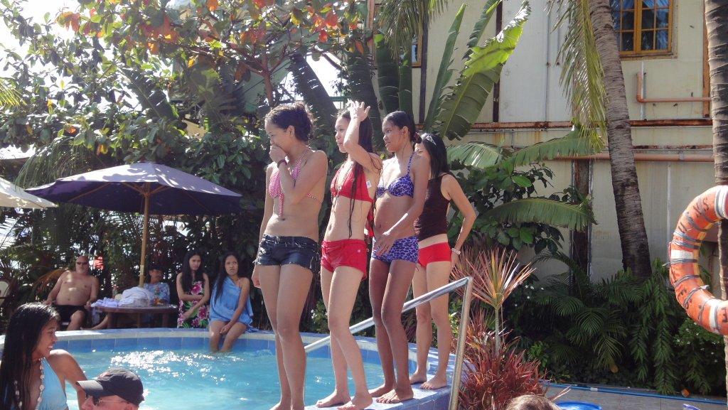 treasure-island-pool-party-070